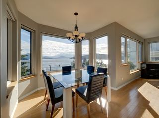 "Photo 1: 393 SKYLINE Drive in Gibsons: Gibsons & Area House for sale in ""The Bluff"" (Sunshine Coast)  : MLS®# R2272922"