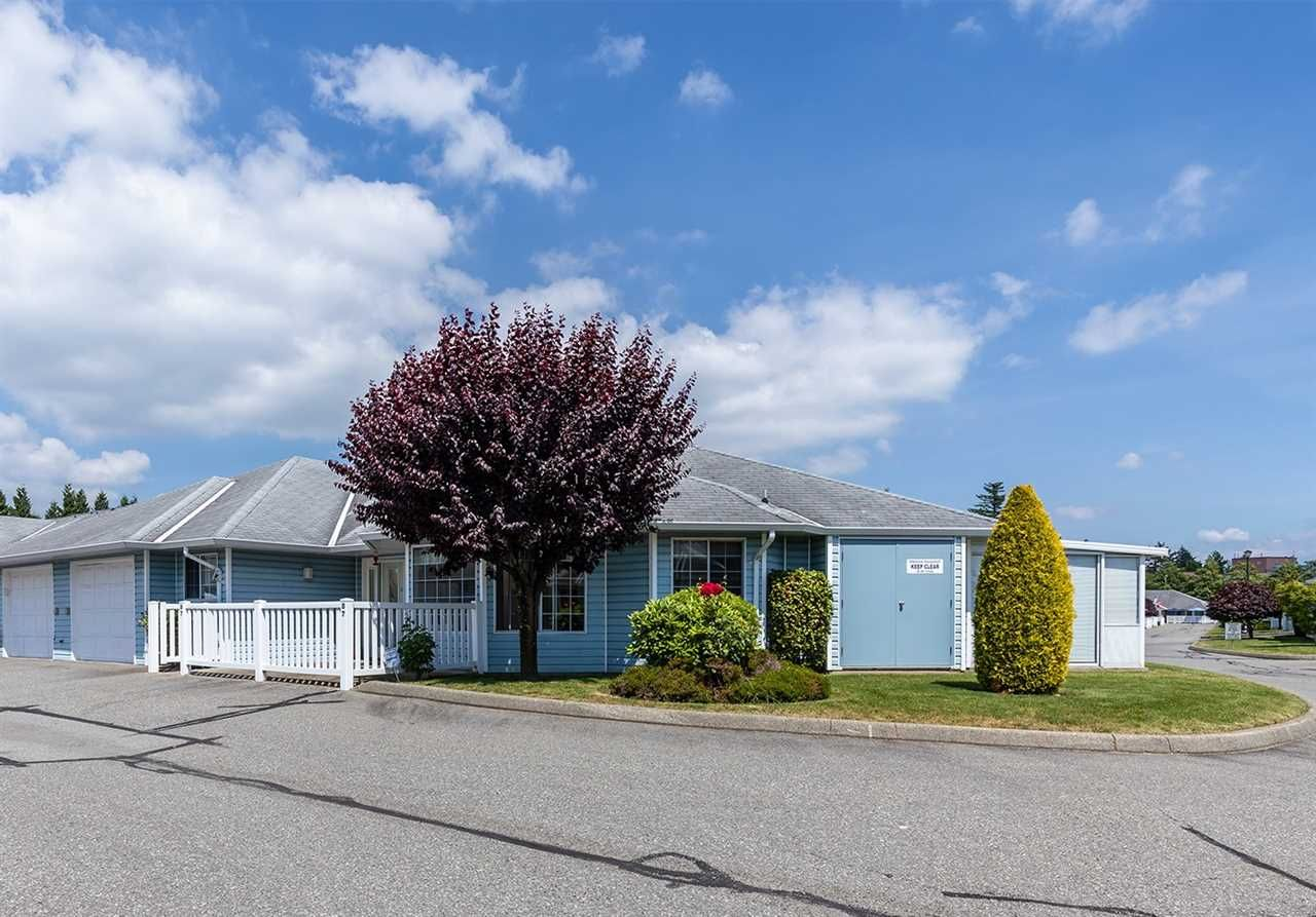 """Main Photo: 87 1450 MCCALLUM Road in Abbotsford: Poplar Townhouse for sale in """"CROWN POINT II"""" : MLS®# R2469348"""