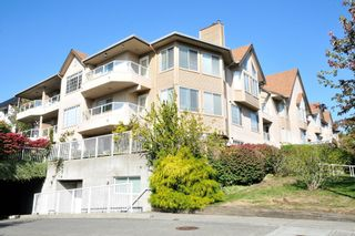 """Photo 1: 204 1009 HOWAY Street in New Westminster: Uptown NW Condo for sale in """"HUNTINGTON WEST"""" : MLS®# R2113265"""