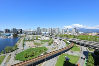 """Photo 19: 1405 120 MILROSS Avenue in Vancouver: Downtown VE Condo for sale in """"THE BRIGHTON BY BOSA"""" (Vancouver East)  : MLS®# R2617485"""