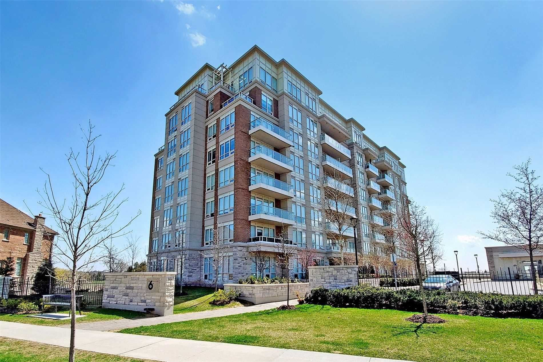 Main Photo: 812 15 Stollery Pond Crescent in Markham: Angus Glen Condo for sale : MLS®# N5280028