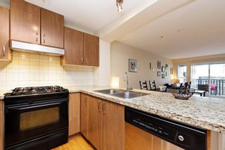 """Photo 8: 207 3082 DAYANEE SPRINGS BOULEVARD Boulevard in Coquitlam: Westwood Plateau Condo for sale in """"The Lanterns"""" : MLS®# R2443838"""