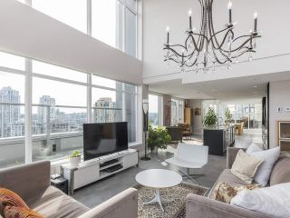 "Main Photo: PH2 1133 HOMER Street in Vancouver: Yaletown Condo for sale in ""H&H"" (Vancouver West)  : MLS®# R2555568"