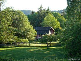 Photo 2: 4286 Happy Valley Rd in VICTORIA: Me Metchosin House for sale (Metchosin)  : MLS®# 706592