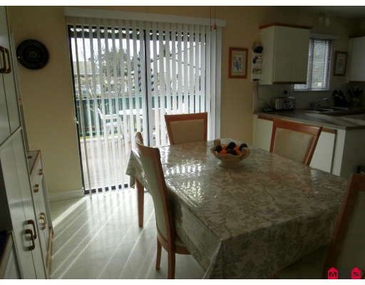 """Photo 4: Photos: 13344 100TH Avenue in Surrey: Whalley 1/2 Duplex for sale in """"CENTRAL CITY"""" (North Surrey)  : MLS®# F2904707"""