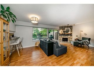 """Photo 3: 40 9101 FOREST GROVE Drive in Burnaby: Forest Hills BN Townhouse for sale in """"ROSSMOOR"""" (Burnaby North)  : MLS®# R2374547"""