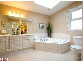 """Photo 8: 12513 24TH Avenue in Surrey: Crescent Bch Ocean Pk. House for sale in """"OCEAN PARK"""" (South Surrey White Rock)  : MLS®# F1222968"""