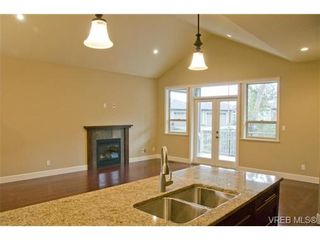 Photo 4: 3633 Coleman Place in Victoria: Co Latoria House for sale (Colwood)  : MLS®# 302702