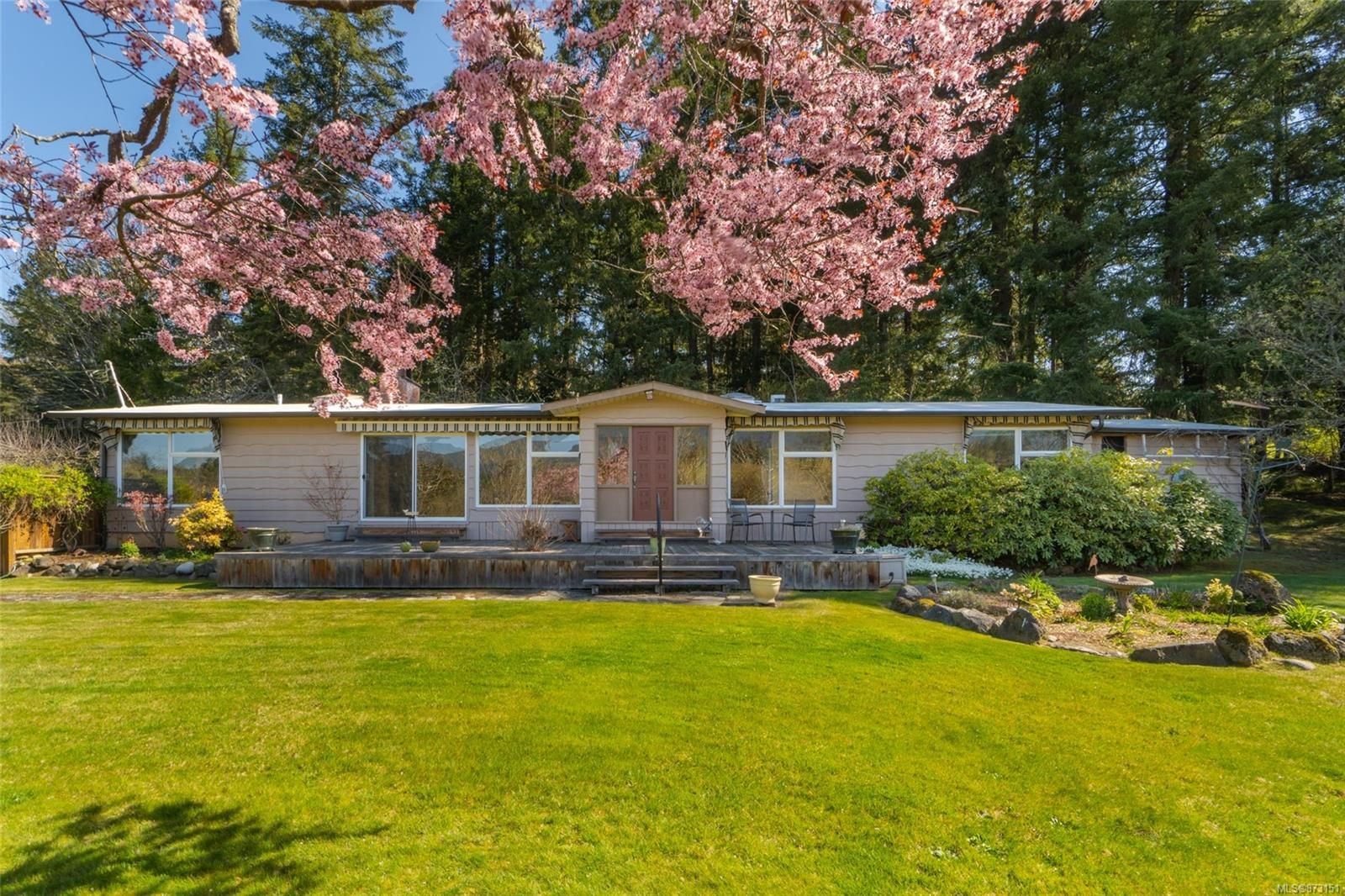 Main Photo: 2312 Maxey Rd in : Na South Jingle Pot House for sale (Nanaimo)  : MLS®# 873151