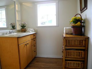 Photo 10: 5502 ORCHARD ST in Sechelt: Sechelt District House for sale (Sunshine Coast)  : MLS®# V1052391