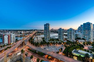 """Photo 1: 2602 939 EXPO Boulevard in Vancouver: Yaletown Condo for sale in """"MAX II"""" (Vancouver West)  : MLS®# R2208593"""