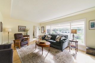 Photo 4: 106 COLLEGE Court in New Westminster: Queens Park House for sale : MLS®# R2599318