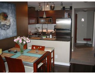 """Photo 3: 501 833 AGNES Street in New_Westminster: Downtown NW Condo for sale in """"NEWS"""" (New Westminster)  : MLS®# V662444"""