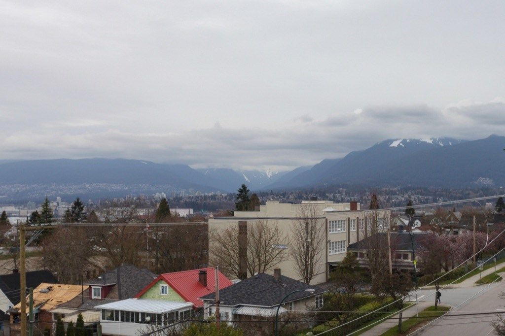 """Photo 7: Photos: PH5 388 KOOTENAY Street in Vancouver: Hastings East Condo for sale in """"VIEW 388"""" (Vancouver East)  : MLS®# R2150630"""