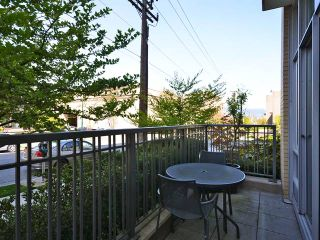 Photo 2: 2404 PINE ST in Vancouver: Fairview VW Condo for sale (Vancouver West)  : MLS®# V1004538