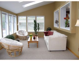 """Photo 4: 40710 N HIGHLANDS Way in Squamish: Garibaldi Highlands House for sale in """"GARIBALDI HIGHLANDS"""" : MLS®# V766627"""