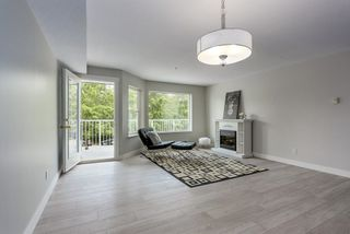 Photo 3: 214 19236 FORD Road in Pitt Meadows: Central Meadows Condo for sale : MLS®# R2182703