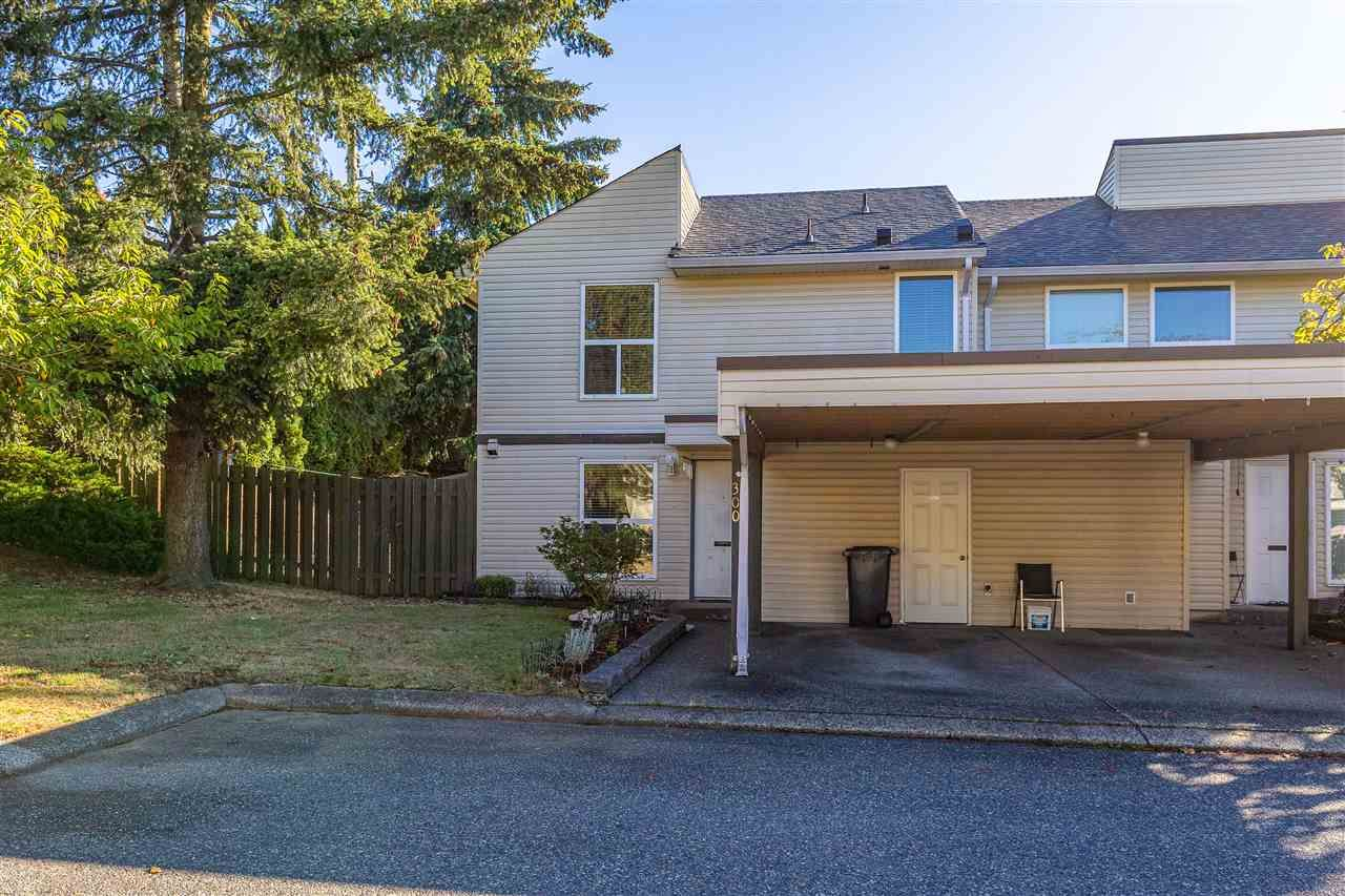 Main Photo: 300 32550 MACLURE Road in Abbotsford: Abbotsford West Townhouse for sale : MLS®# R2503591