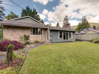 Photo 1: 3539 CHURCH Street in North Vancouver: Lynn Valley House for sale : MLS®# R2597579