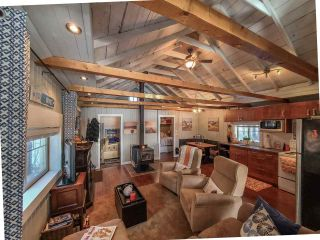 """Photo 11: 52275 GUEST Road in Vanderhoof - Rural: Cluculz Lake House for sale in """"Cluculz Lake"""" (PG Rural West (Zone 77))  : MLS®# R2542900"""