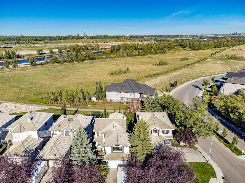 Main Photo: 509 Douglas Glen Point SE in Calgary: Douglasdale/Glen Detached for sale : MLS®# A1145954