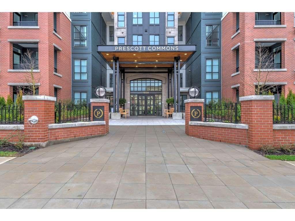 Main Photo: 323 15138 34 Avenue in Surrey: Morgan Creek Condo for sale (South Surrey White Rock)  : MLS®# R2333980