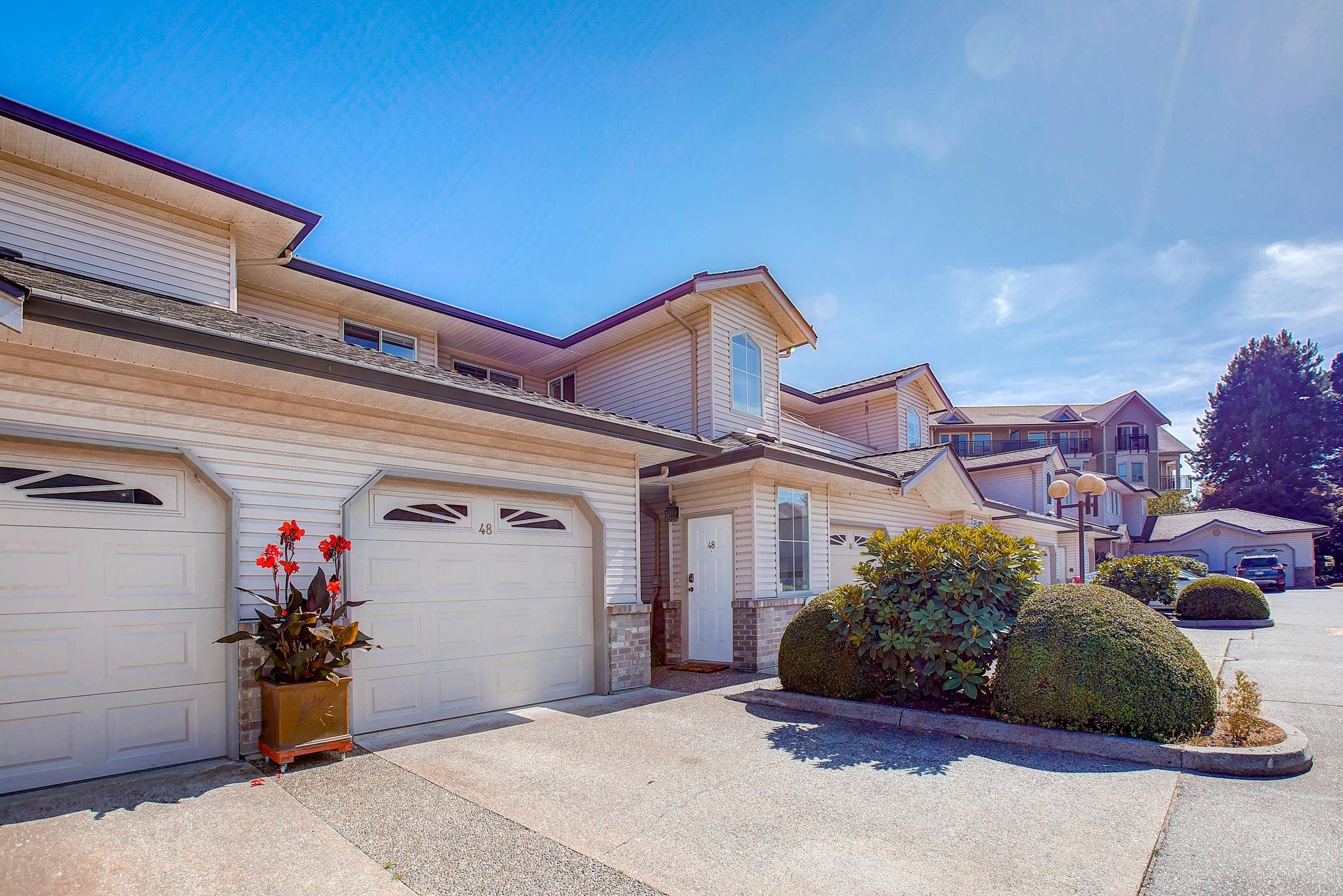 Main Photo: 48 19060 FORD ROAD in Pitt Meadows: Central Meadows Townhouse for sale : MLS®# R2611561