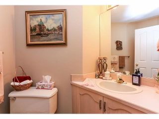 """Photo 12: 33 9168 FLEETWOOD Way in Surrey: Fleetwood Tynehead Townhouse for sale in """"The Fountains"""" : MLS®# F1414728"""