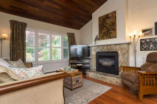 Photo 3: 11955 STAPLES Crescent in Delta: Sunshine Hills Woods House for sale (N. Delta)  : MLS®# R2092207