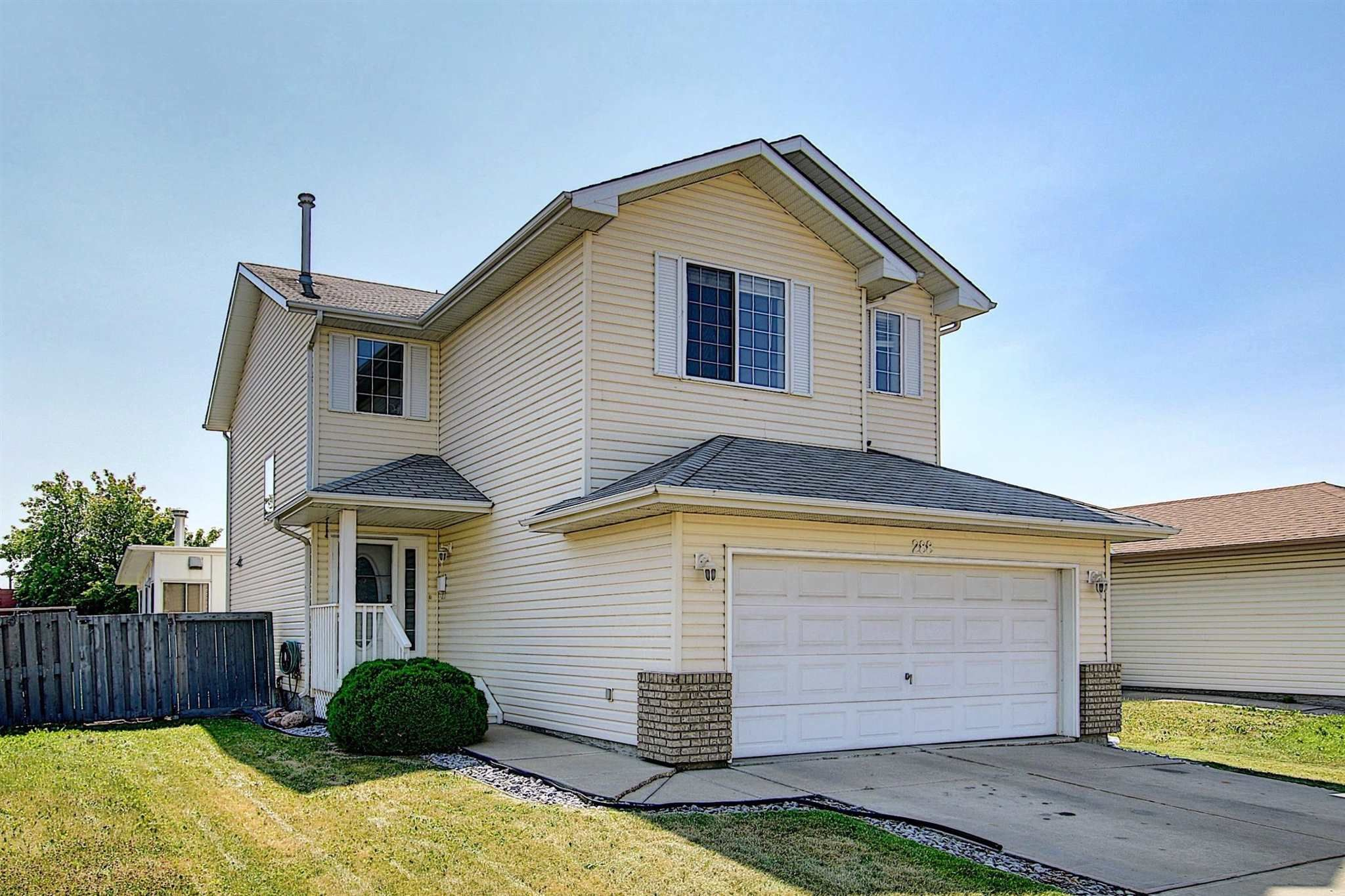 Main Photo: 288 Dunvegan Road in Edmonton: Zone 01 House for sale : MLS®# E4256564