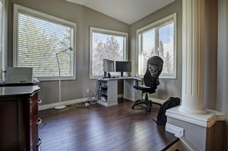 Photo 21: 30 Simcrest Manor SW in Calgary: Signal Hill Detached for sale : MLS®# A1146154