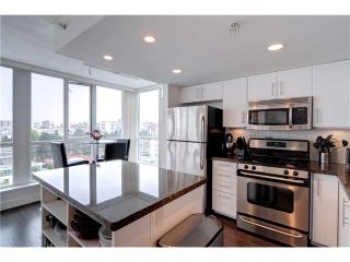 """Photo 5: 901 120 MILROSS Avenue in Vancouver: Mount Pleasant VE Condo for sale in """"THE BRIGHTON"""" (Vancouver East)  : MLS®# V976401"""