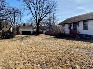 Photo 5: 318 Beaverbrook Street in Winnipeg: River Heights North Residential for sale (1C)  : MLS®# 202106213