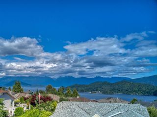 "Photo 28: 503 EAGLECREST Drive in Gibsons: Gibsons & Area House for sale in ""Oceanount Estates"" (Sunshine Coast)  : MLS®# R2493447"