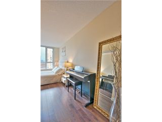 """Photo 8: 1403 1212 HOWE Street in Vancouver: Downtown VW Condo for sale in """"1212 Howe"""" (Vancouver West)  : MLS®# V1000365"""