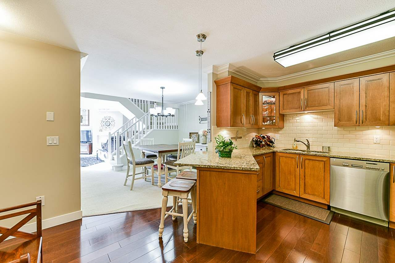 Photo 5: Photos: 213 25 RICHMOND STREET in New Westminster: Fraserview NW Condo for sale : MLS®# R2357441