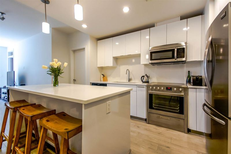 FEATURED LISTING: 405 - 733 3RD Street West North Vancouver