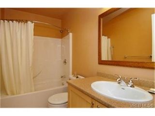 Photo 7: 13 2654 Lancelot Place in : CS Turgoose Residential for sale (Central Saanich)  : MLS®# 242904