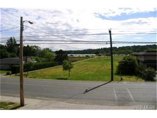 Photo 9:  in VICTORIA: SE Cadboro Bay House for sale (Saanich East)  : MLS®# 398222