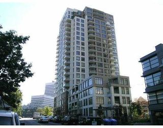 """Photo 1: 101 3660 VANNESS Avenue in Vancouver: Collingwood VE 1/2 Duplex for sale in """"CIRCA"""" (Vancouver East)  : MLS®# V789391"""