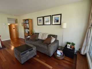 """Photo 2: 107 925 W 15TH Avenue in Vancouver: Fairview VW Condo for sale in """"THE EMPEROR"""" (Vancouver West)  : MLS®# R2094546"""