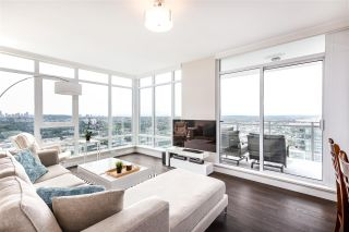 """Photo 3: 4301 4485 SKYLINE Drive in Burnaby: Brentwood Park Condo for sale in """"SOLO DISTRICT"""" (Burnaby North)  : MLS®# R2390443"""