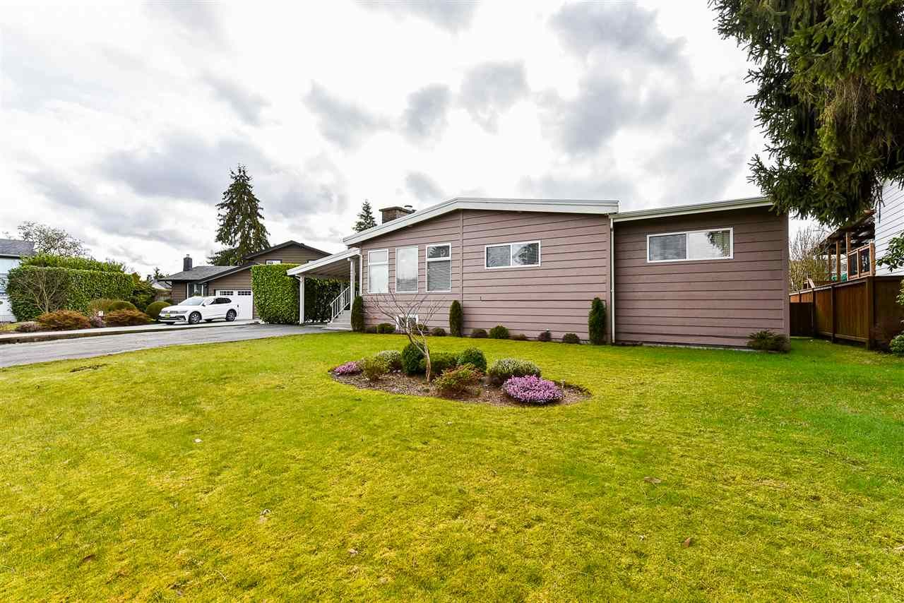 Main Photo: 18922 120 Avenue in Pitt Meadows: Central Meadows House for sale : MLS®# R2555786
