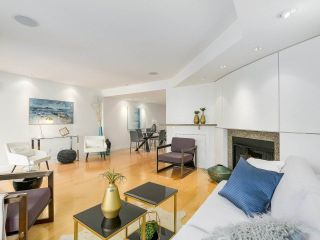 """Photo 9: 2411 W 1ST Avenue in Vancouver: Kitsilano Townhouse for sale in """"Bayside Manor"""" (Vancouver West)  : MLS®# R2191405"""