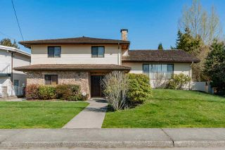 Photo 1: 6773 HALIFAX Street in Burnaby: Sperling-Duthie House for sale (Burnaby North)  : MLS®# R2351808