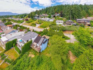 Photo 12: 940 IOCO Road in Port Moody: Barber Street House for sale : MLS®# R2607344