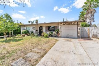 Photo 1: EAST ESCONDIDO House for sale : 4 bedrooms : 665 Hoover Street in Escondido