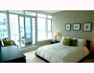 """Photo 7: 1904 1233 CORDOVA Street in Vancouver: Coal Harbour Condo for sale in """"CARINA"""" (Vancouver West)  : MLS®# V781419"""
