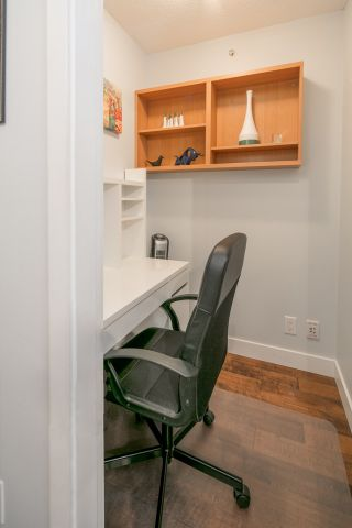 """Photo 14: 2604 977 MAINLAND Street in Vancouver: Yaletown Condo for sale in """"YALETOWN PARK III"""" (Vancouver West)  : MLS®# R2122379"""
