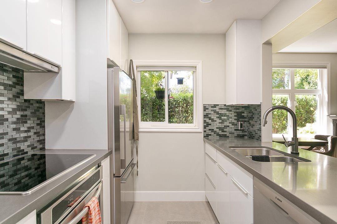 """Main Photo: 103 2588 ALDER Street in Vancouver: Fairview VW Condo for sale in """"BOLLERT PLACE"""" (Vancouver West)  : MLS®# R2304229"""
